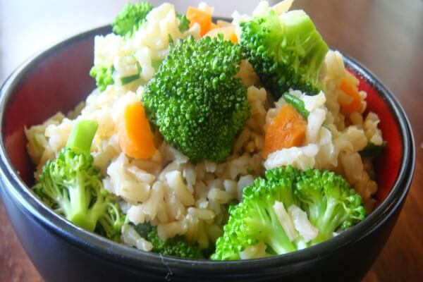Cơm và rau cho ngày thứ sáu