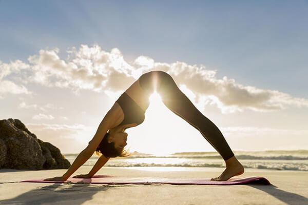 Luyện tập cùng Yoga
