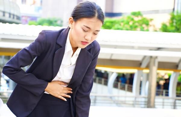 Phân biệt đau bụng dạ dày với các loại đau bụng khác