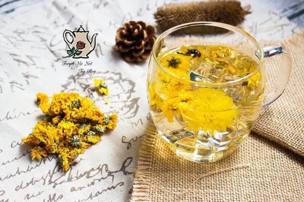 Trà hoa cúc giúp bạn thư giãn, an thần, hết lo lắng