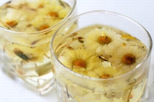 Nên uống trà hoa cúc vào thời điểm nào trong ngày là tốt?