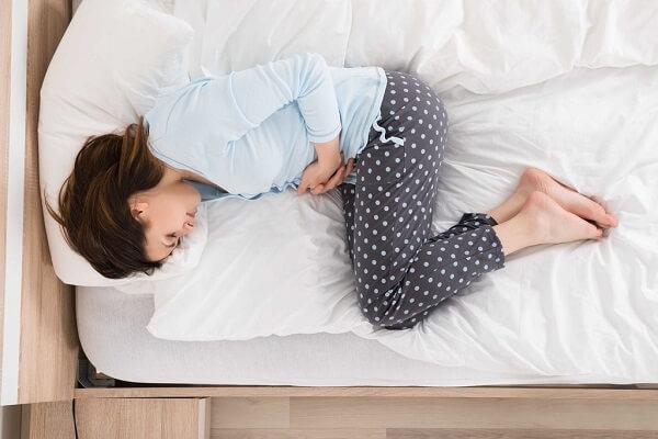 Cẩn thận với dấu hiệu đau bụng quặn từng cơm kèm tiêu chảy, đi ngoài