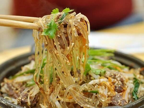 Miến trộn ngã tư Đê La Thành - Quán ăn miến trộn ở đâu ngon ở Hà Nội - 7 địa điểm ăn uống