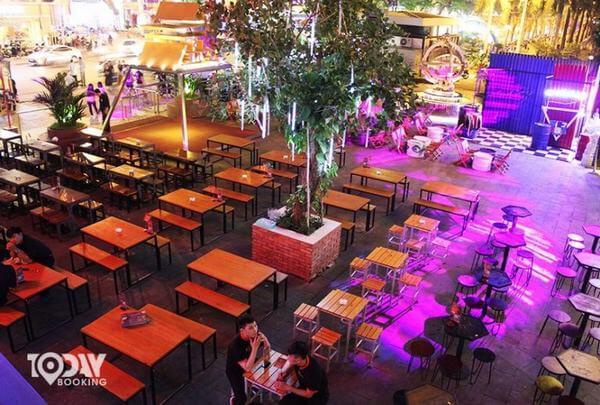 Yolo Pub & Cafe -bar bình dân ở sài gòn