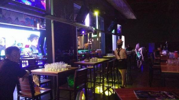 Oneplus Beer Club -quán bar nhạc nhẹ ở sài gòn