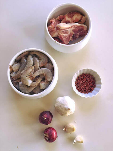 Trình bày cách nấu mì quảng bằng tiếng anh - How to make mi quang