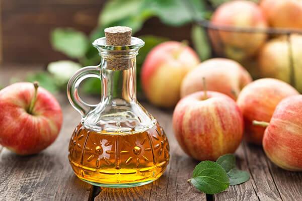 Dùng thức uống giảm cân vẫn phải kết hợp dinh dưỡng và tập luyện khoa học (Ảnh: Eucerin)