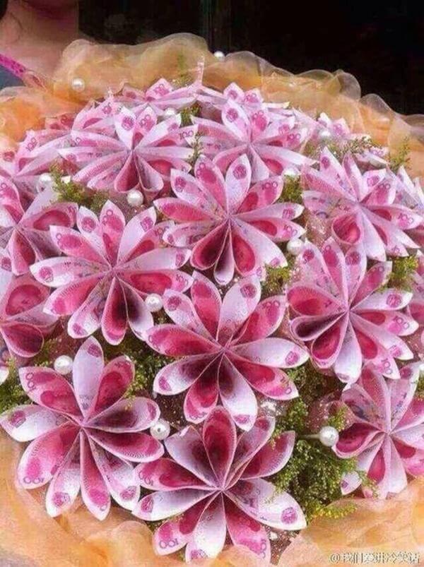 Bó hoa sinh nhật đẹp độc đáo và ý nghĩa nhất hiện nay bằng tiền