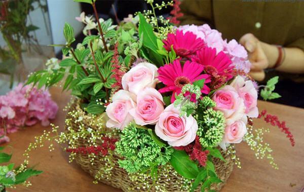 Những lẵng hoa đẹp không thể thiếu trong ngày sinh nhật