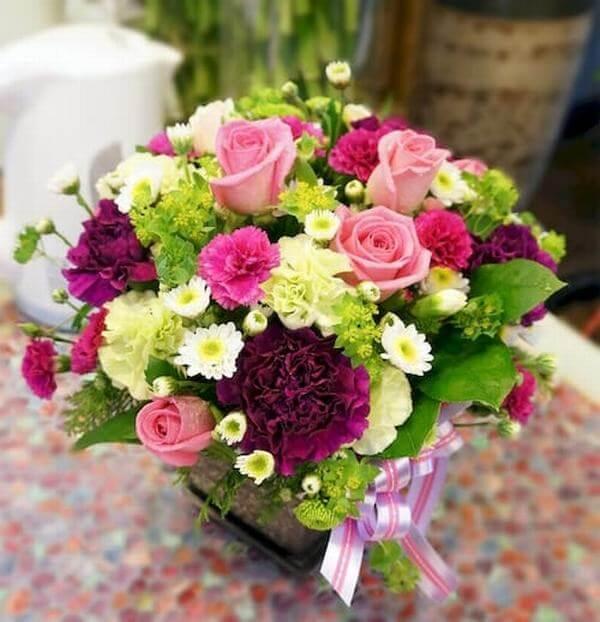 Lẵng hoa hồng tặng sinh nhật người yêu vô cùng ý nghĩa.