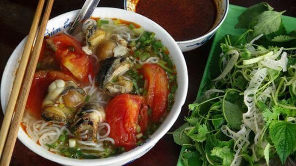 Món bún ốc bà Lương ở Khương Thượng - Địa chỉ những quán ăn sáng vỉa hè ngon rẻ ở Hà Nội