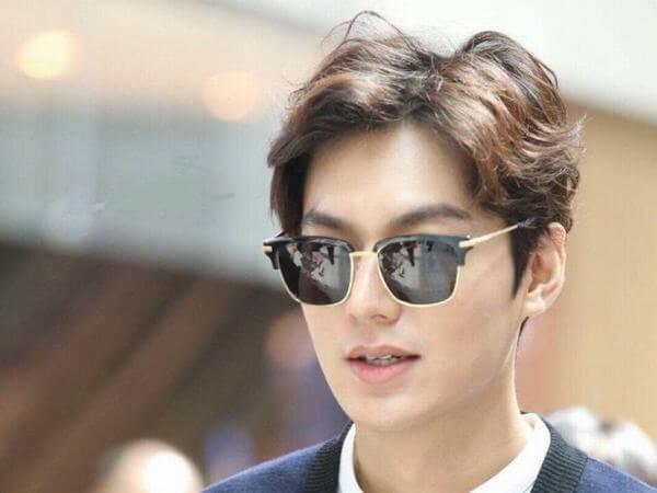 Hiện nay cũng có rất nhiều nghệ sĩ nổi tiếng để kiểu tóc này, bao gồm Lee Min Ho