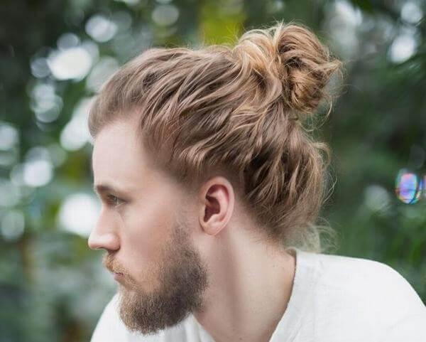 Bạn chắc chắn sẽ là trung tâm của bữa tiệc nếu để kiểu tóc này