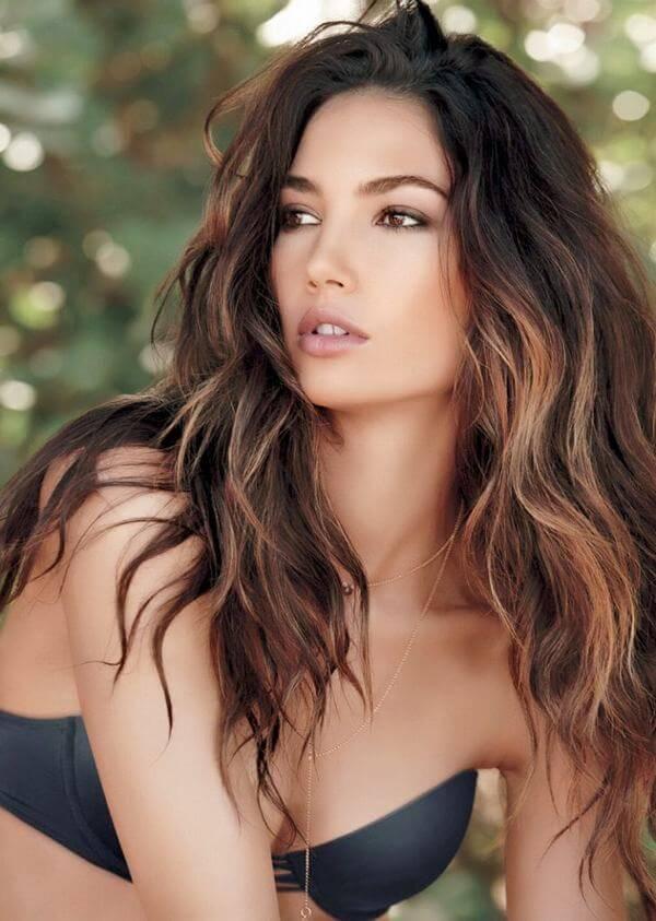 Kiểu móc light này là kiểu tóc cơ bản, đơn giản và phổ biến.