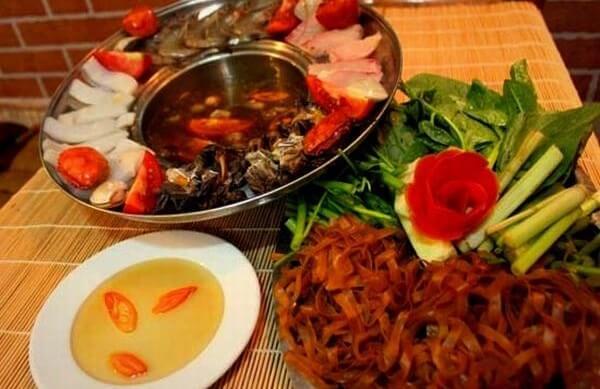 Lẩu Cua Đồng -Mon ngon mien Tay song nuoc