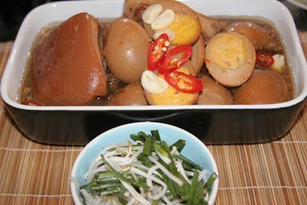 Thịt kho trứng nước dừa- Các món ăn ngày tết của người miền Nam, phong tục truyền thống
