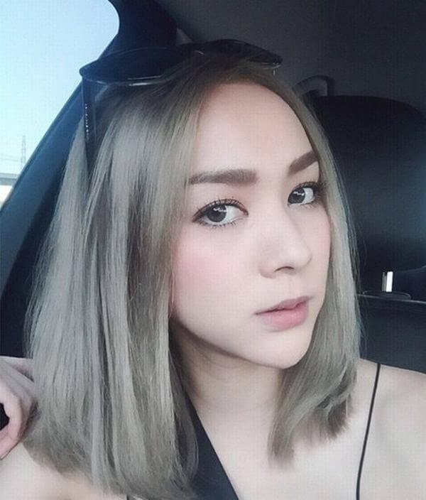 Tóc màu xám khói giúp trắng sáng da mặt