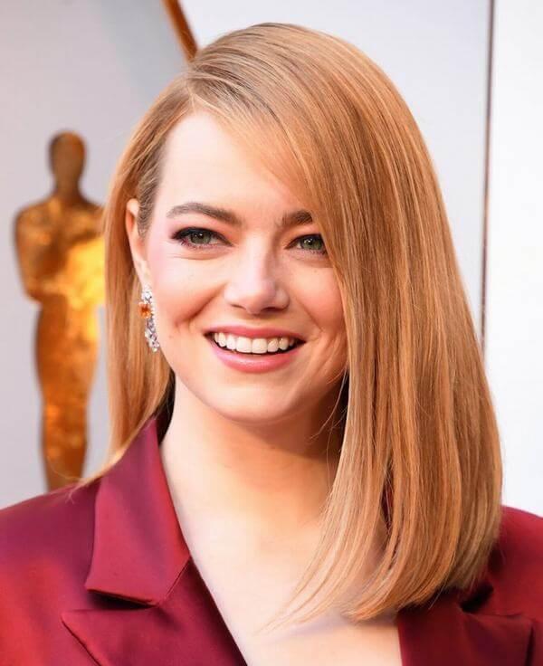 Cô nàng Emma Stone đã trải nghiệm mình với màu tóc này