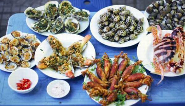 Quán hải sản phố cổ – Hàng Lược