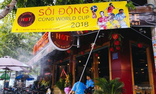 Nhiều hàng quán đã tạo không khí World Cup