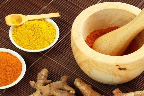Mật ong và nghệ chữa đau dạ dày nhẹ