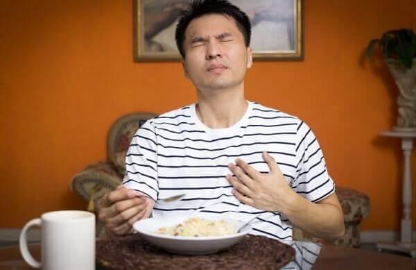 Bệnh trào ngược dạ dày có chữa được không, chữa có khó không?